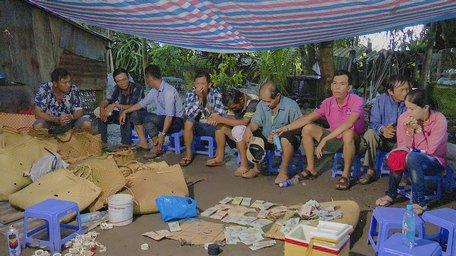 bat giu nhom doi tuong danh bac - Page 2 of 3